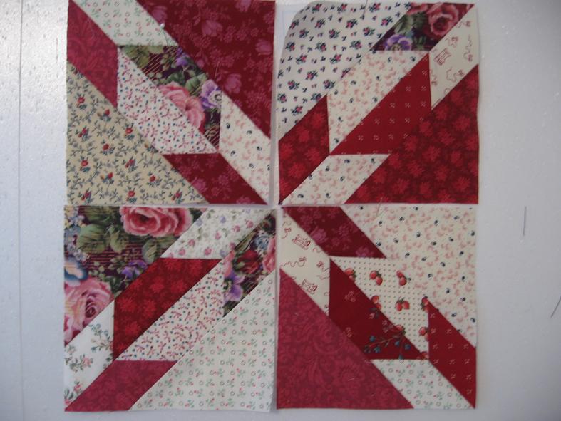 tuto de la pochette patchwork bleue mais en rouge le blog de caillou. Black Bedroom Furniture Sets. Home Design Ideas